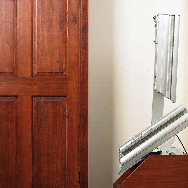 1000 stair lift powered hinge handicare 600x600