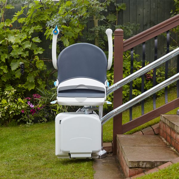 2000 outdoor stair lift fold up handicare
