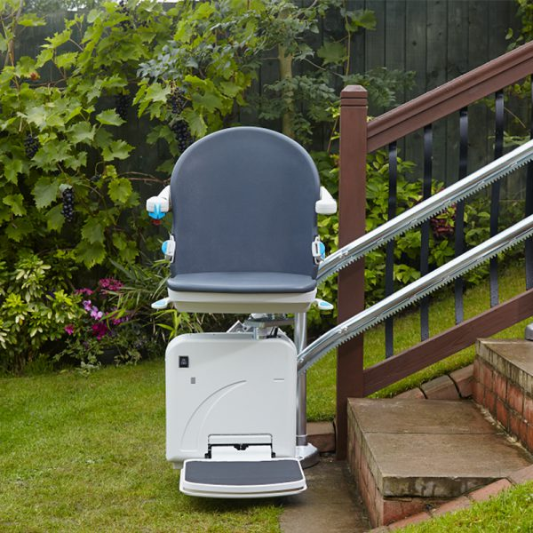 2000 outdoor stair lift handicare
