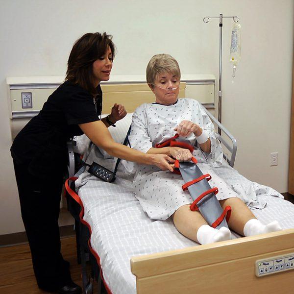 flexi grip in use caregiver handicare 600x600