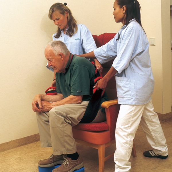 sit walk in use on chair handicare 600x600