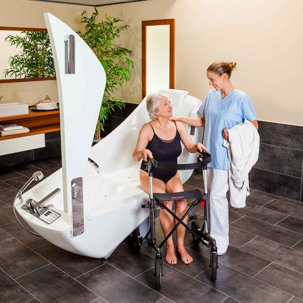 beka averno motion bath tub open door with patient and caregiver 4
