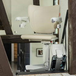 1100 straight stairlift swivel
